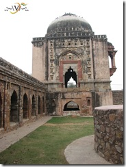 Madhi-Masjid-SideView